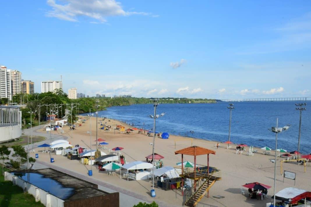 Fotografia da praia da ponta negra, em Manaus