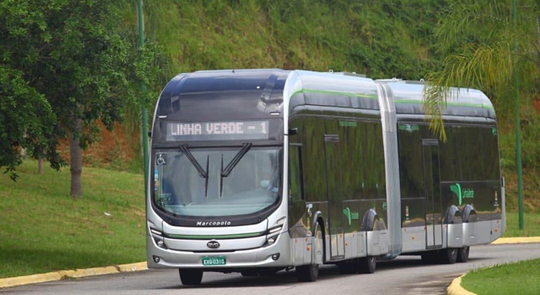 Fotografia de ônibus ilustrando sobre a produção de veículos sustentáveis da Marcopolo