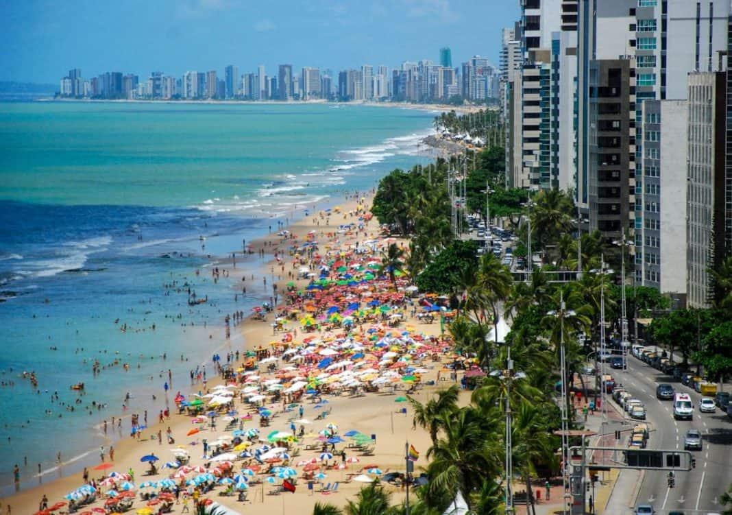 Fotografia da cidade do Recife com vista para o mar