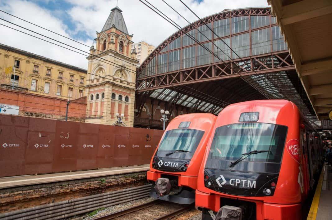 Fotografia de trem de linhas da CPTM em referência à CCR VENCE LEILÃO