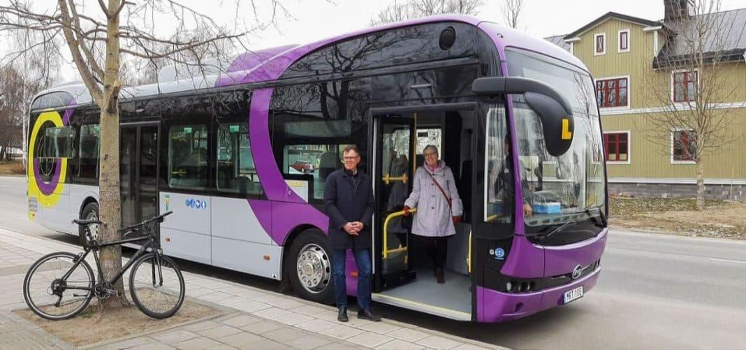 Fotografia de ônibus BYD